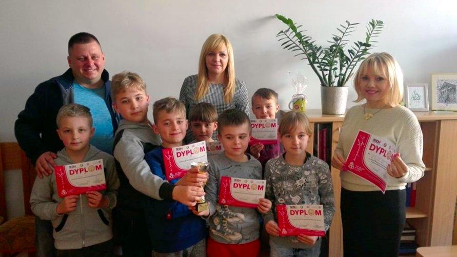 III miejsce w Wojewódzkim Półfinale Dziecięcej Piłki Ręcznej Kliknięcie w obrazek spowoduje wyświetlenie jego powiększenia