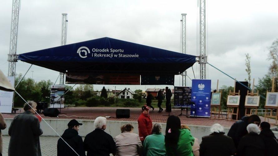 XVII Festiwal Działań Artystycznych osób Niepełnosprawnych w Staszowie Kliknięcie w obrazek spowoduje wyświetlenie jego powiększenia