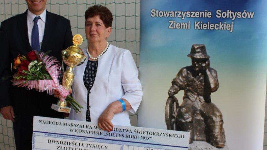 Barbara Tomalska z Szymanówki Sołtysem Roku 2018 Kliknięcie w obrazek spowoduje wyświetlenie jego powiększenia