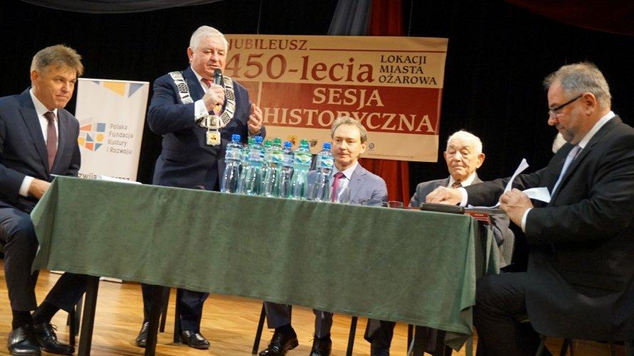 Sesja na 450-lecie lokacji Ożarowa