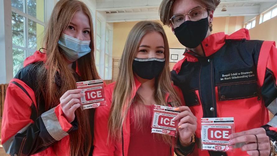 """""""Ratownicy u Skłodowskiej"""" promują karty ICE"""
