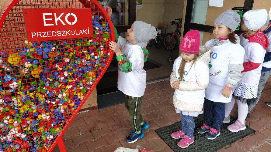 Zakończenie ogólnopolskiego  projektu edukacyjnego  EKO PRZEDSZKOLAKI w Przedszkolu Publicznym w Ożarowie