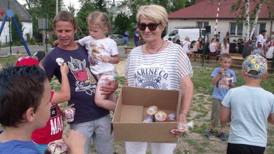 Festyn dla dzieci w Sobótce