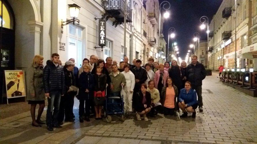 Wyjzd uczestników ŚDS do teatru w Kielcach