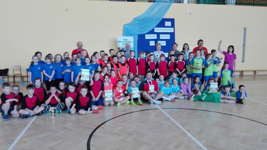 """MAMY TO !!! III miejsce w Turnieju Półfinałowym """"Dziecięcej Piłki Ręcznej"""" dla ZSO im.E.Szylki"""