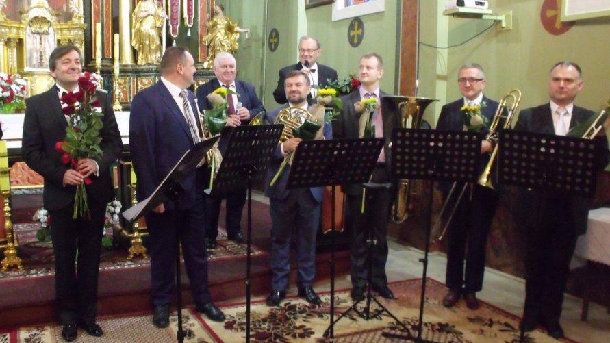 Dwa koncerty w gminie Ożarów