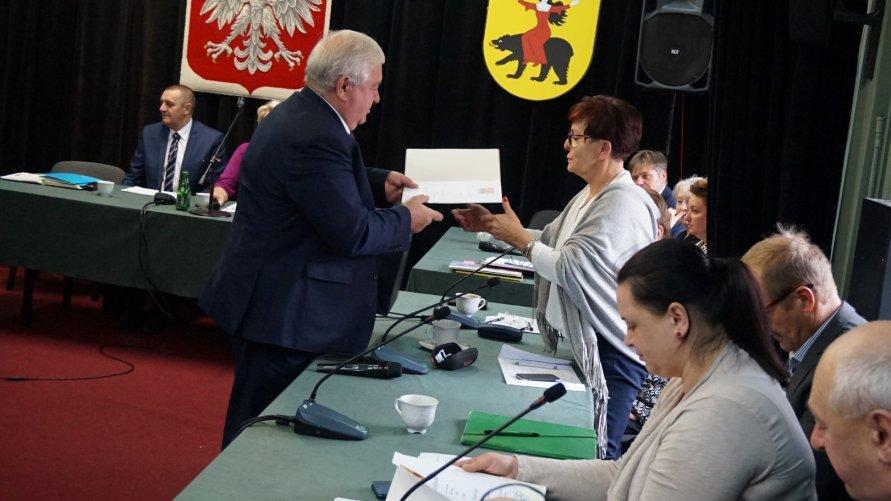 Podziękowanie za wybory, listy gratulacyjne dla radnych